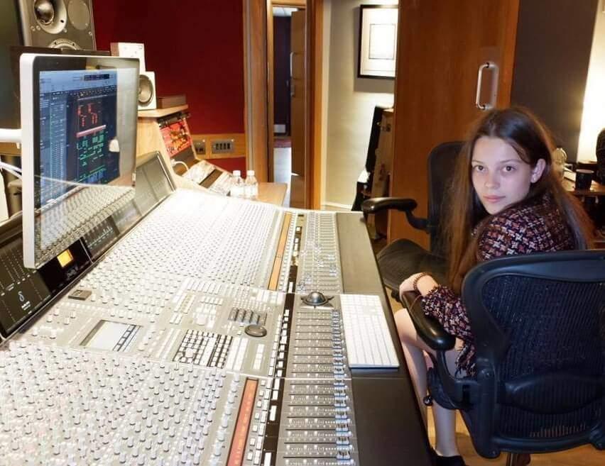 Courtney Hadwin London Studio